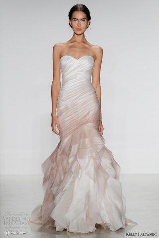 Kelly Faetanini 最新婚纱礼服系列