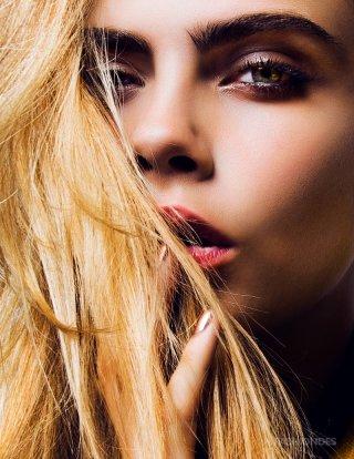 Cara Delevingne为DKNY设计全新胶囊系列
