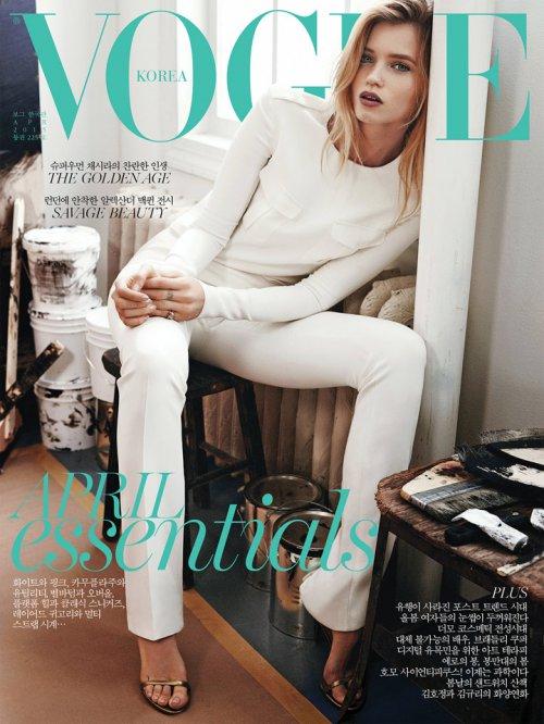 Abbey Lee Kershaw 展现澳洲式性感 《Vogue》韩国版2015年4月号