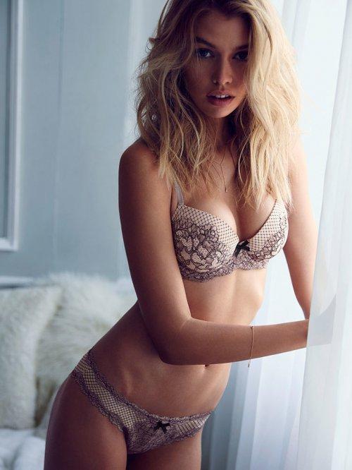 Victoria's Secret(维多利亚的秘密) Stella Maxwell 演绎维密最新内衣时尚型录