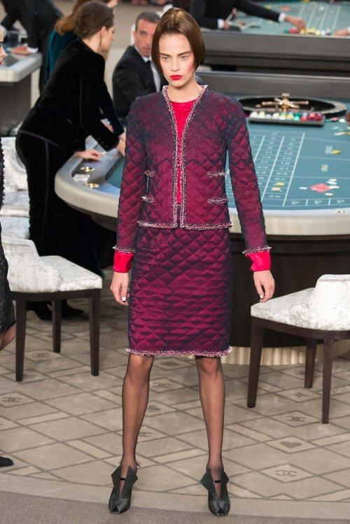 Chanel(香奈儿)2015秋冬巴黎时装秀