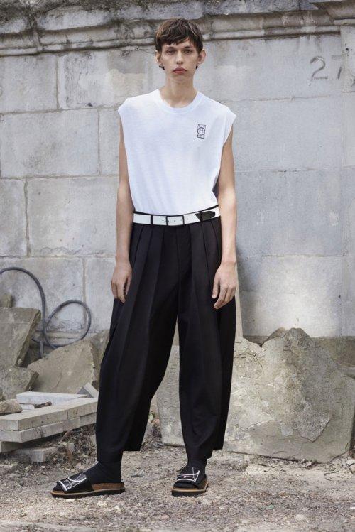 Alexander McQueen(亚历山大·麦昆)2016春夏Lookbook