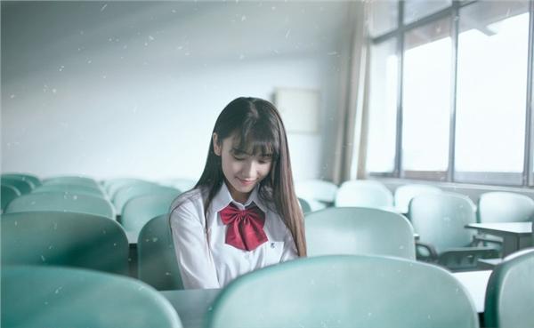 清纯学生美女校花生活照