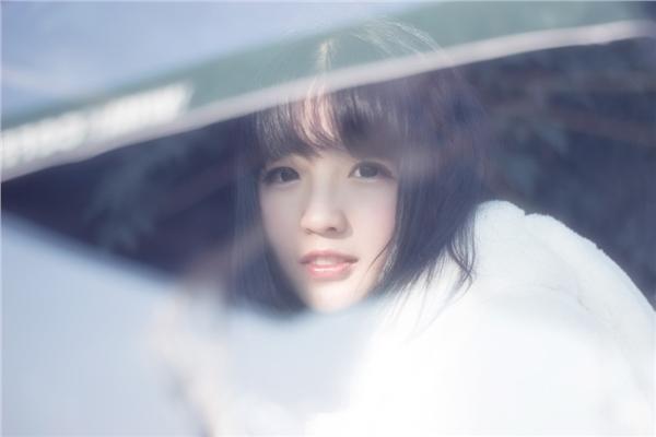 90后清纯女生甜美生活照