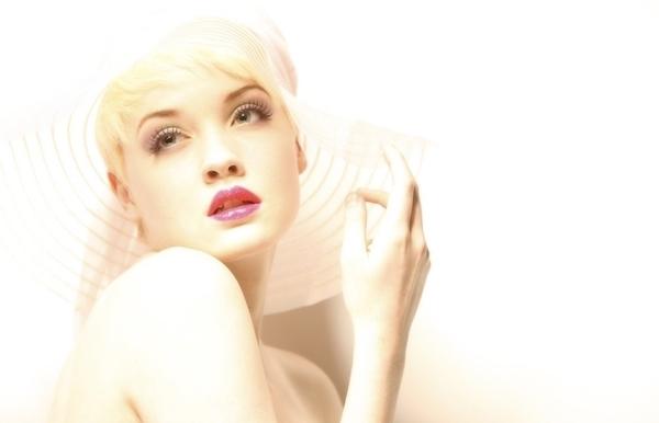 欧美时尚红唇妆 风情魅惑让人销魂