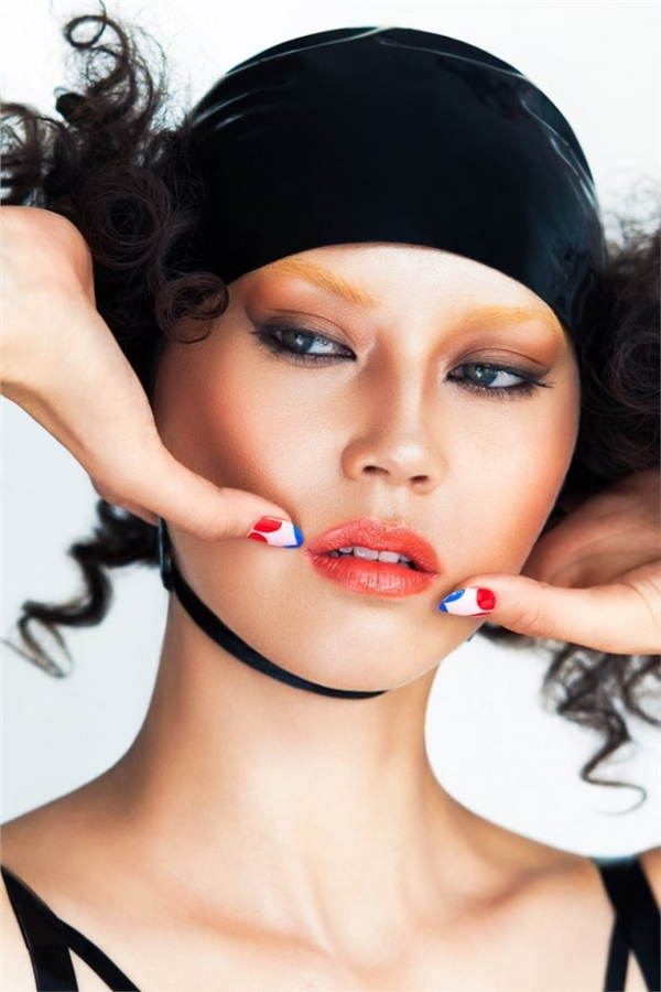 淡黄眉毛樱红唇妆 洋人眼中的东方美女彩妆大片