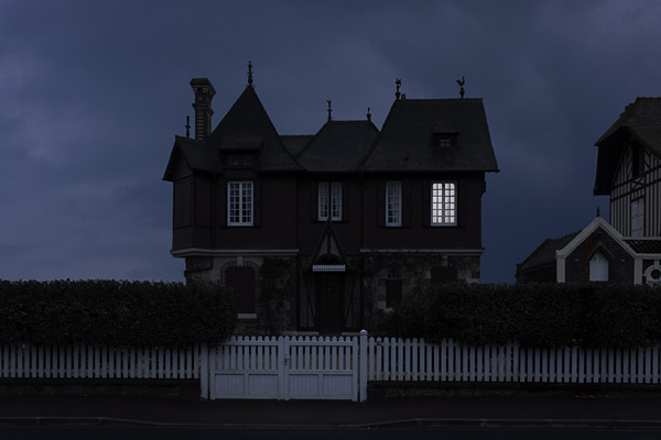Julien Mauve摄影作品:灯光熄灭之后