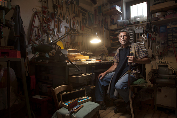 Alessandro Venier摄影作品:传统手工艺者的现代肖像