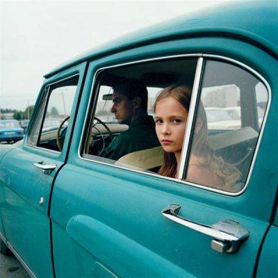 Michal Chelbin摄影作品:Strangely Familiar