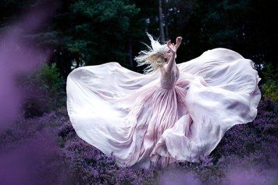 Kirsty Mitchell时尚摄影作品