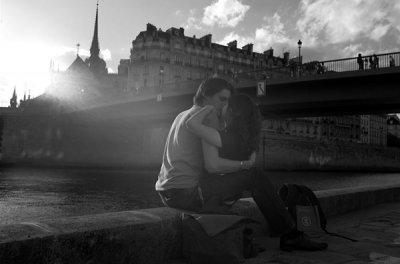 Peter Turnley摄影作品:法式热吻,巴黎的浪漫