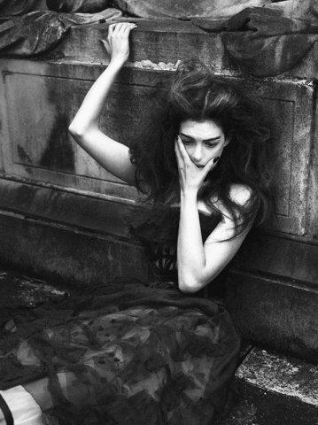 Mert Alas & Marcus Piggott摄影作品:安妮海瑟薇