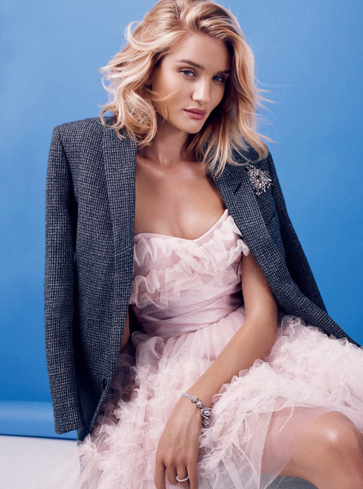 超模Rosie Huntington-Whiteley 演绎《Harper's Bazaar》杂志摄影大片