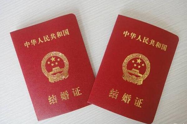拍结婚照注意事项 打造正式而不失时尚的证件照