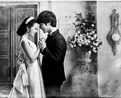 盘点80后个性婚纱照 温情与浪漫的完美结合