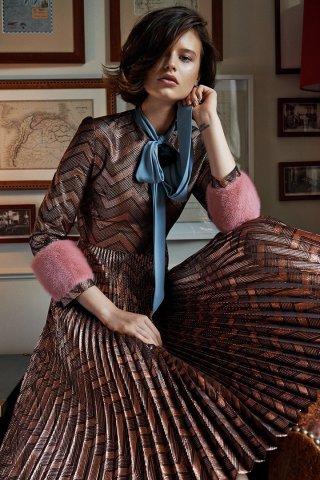超模Barbora Holotova(芭波拉·赫洛托娃)演绎《Elle》杂志捷克版时尚大片