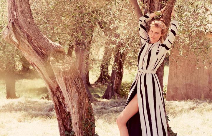 Eva Herzigova《Elle》意大利版2015年8月号