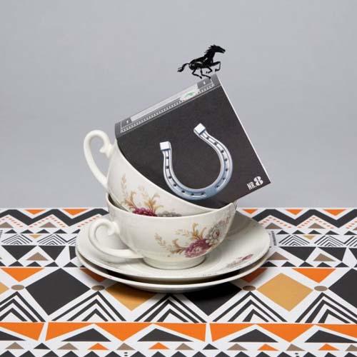 多彩的包装设计欣赏《Tea Bar》