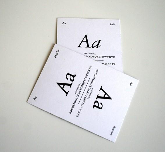 Garamond 3翻牌游戏卡片设计