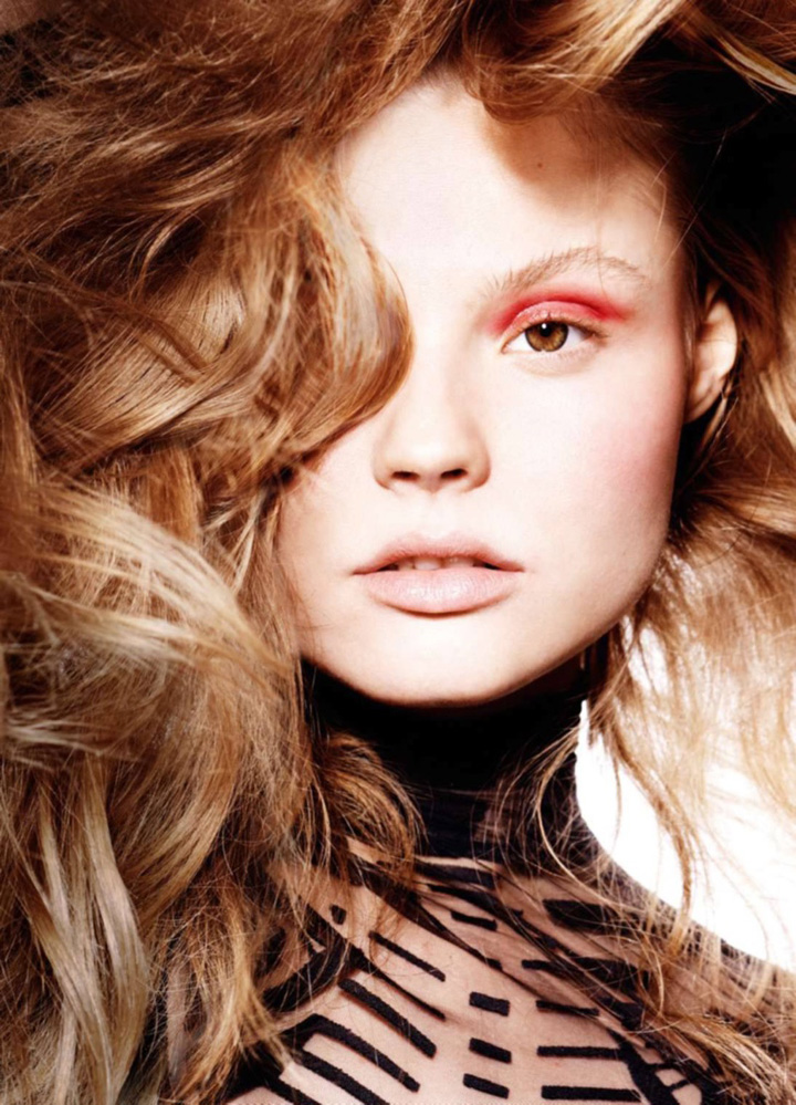 Magdalena Frackowiak《Elle》法国版2015年9月号