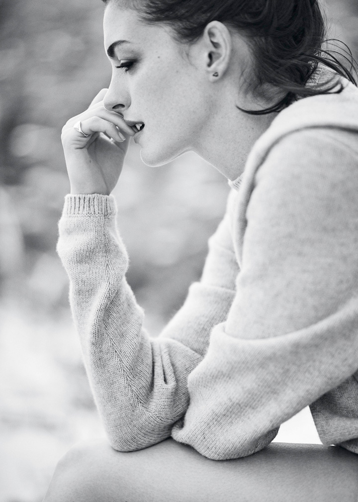 Anne Hathaway《Glamour》英国版2015年10月号