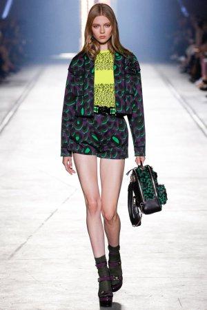 Versace(范思哲)2016米兰时装秀