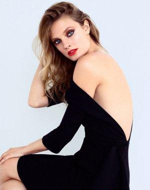 超模Constance Jablonski《Elle》杂志大片