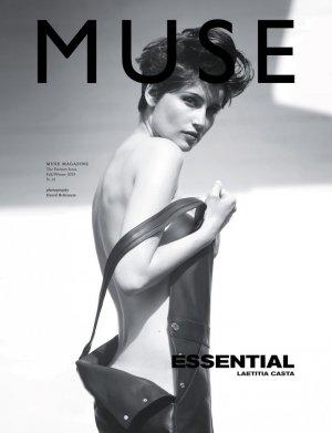 Laetitia Casta 演绎《Muse》杂志黑白时尚大片