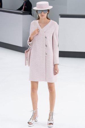 Chanel(香奈儿)2016春夏巴黎时装秀