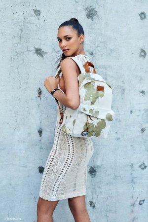 超模 Lais Ribeiro(莱斯·里贝罗)代言 Bottletop手袋广告大片