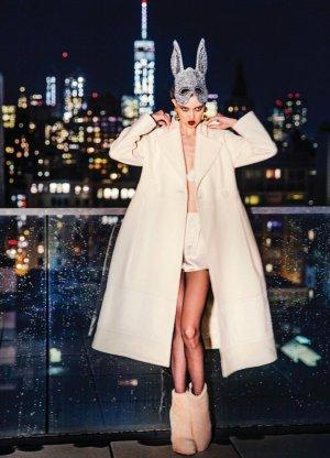 超模Lindsey Wixson演绎《Vogue》杂志时尚摄影大片