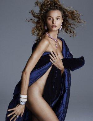 Magdalena Frackowiak演绎《Vogue》杂志西班牙时尚大片