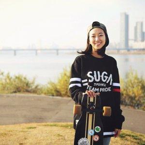 #运动:韩国长滑板美女Ko Hyojoo的优雅舞步
