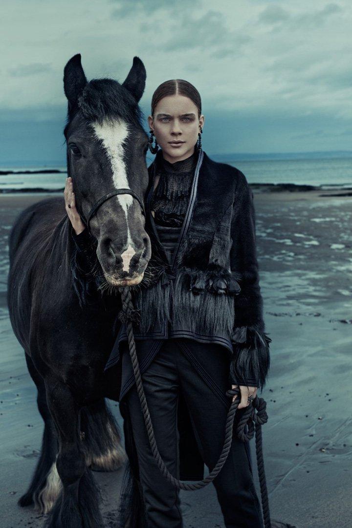 Kim Noorda《Elle》德国版2015年12月号