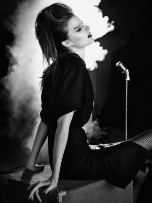 Vasilisa Pavlova 演绎《Harrods》杂志英伦时尚大片