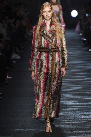 Blumarine(蓝色情人)2016米兰时装周女装秀