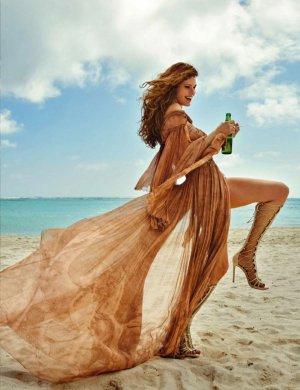 超模Louise Pedersen 演绎《Elle》时尚杂志西班牙版