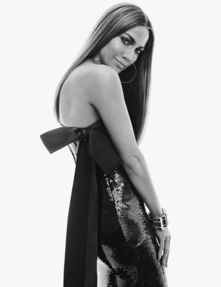 Jennifer Lopez 演绎《W》时尚杂志大片