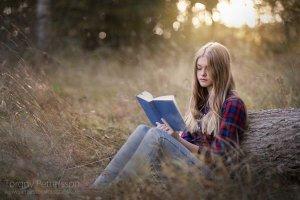 白天看人,晚上看书