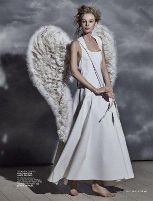 Mariano Vivanco拍摄的《Vogue》时尚杂志摄影大片