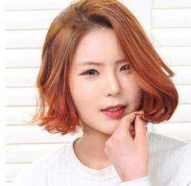 日系女生亚麻色头发图片 洋溢浓浓初春元气