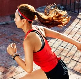 肚子上的赘肉怎么锻炼 让你瘦出郑秀晶马甲线的运动!