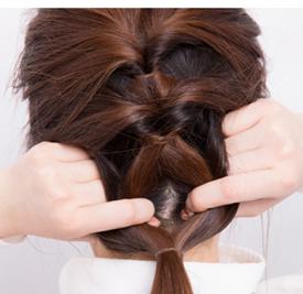 新娘发型怎么扎好看 简单六步打造古典新娘造型