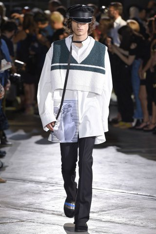Raf Simons(拉夫·西蒙斯)2017佛罗伦萨男装周男装秀