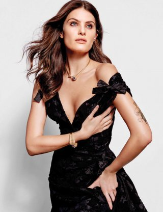 超模Isabeli Fontana演绎《Harper's Bazaar》时尚杂志大片