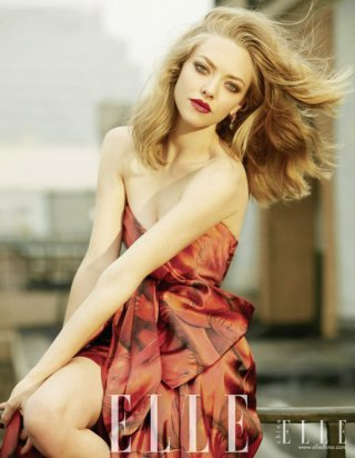 女星Amanda Seyfried 演绎《Elle》时尚杂志大片