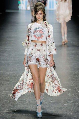 Anna Sui(安娜苏)2017纽约时装周女装秀