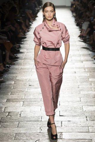 Bottega Veneta(葆蝶家)2017米兰时装周女装秀
