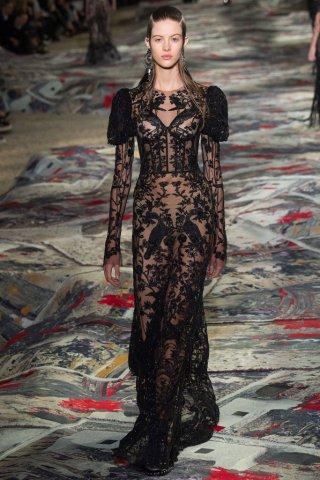 Alexander McQueen 2017春夏巴黎时装周时装秀