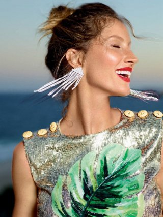 超模Gisele Bundchen 演绎《Vogue》时尚杂志大片